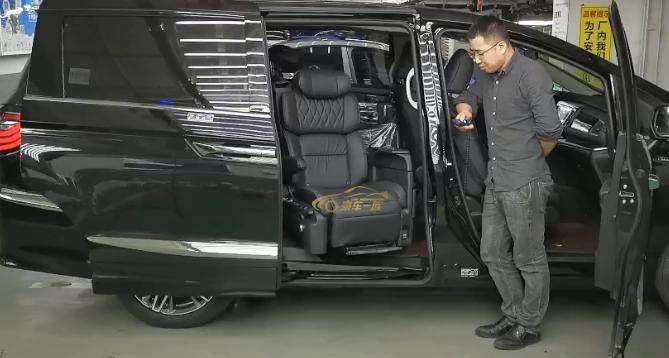 豪车一族专业改装艾力绅福祉座椅残疾人座椅出售