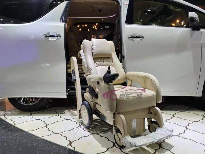 福祉座椅这是一种对上下车不便的人士及老年人无比友好的一种机械装置