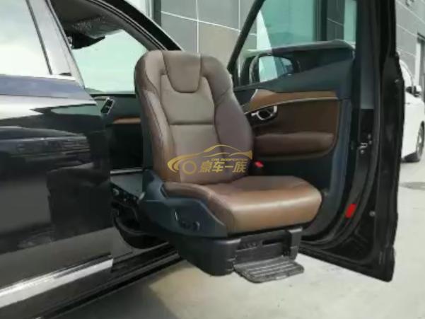 SUV改装福祉座椅旋转升降座椅效果展示