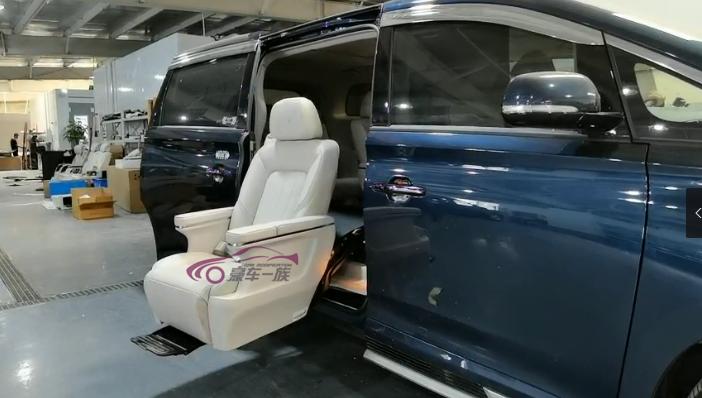 传祺GM8福祉座椅改装福祉轮椅无障碍出行
