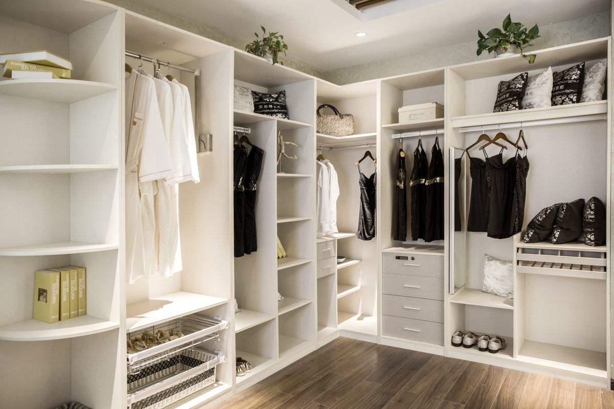 如何选择定制衣帽间衣柜,定制衣帽间衣柜的方法