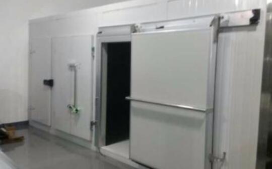 哪些原因导致保鲜冷库安装差价大?
