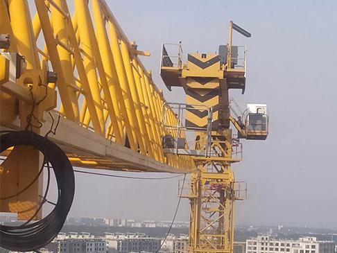 建筑工地塔吊