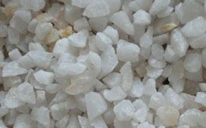 石英砂滤料可以分为精制和普通这两种,各自的用途也不同