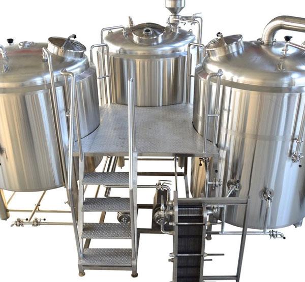 售酒机和自酿啤酒设备,你会选择哪一个来发家致富?