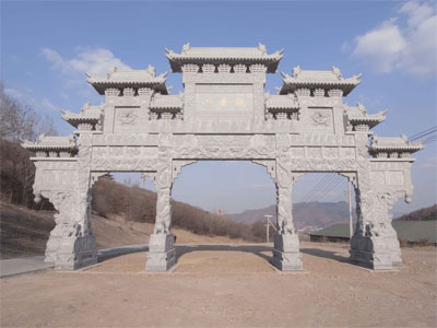 观赏石雕牌坊领略中华民族的建筑艺术与美德
