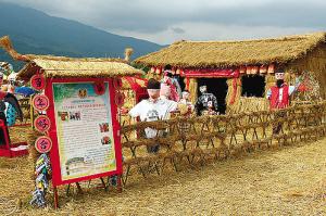 公园绿雕厂家介绍吉林珲春市举行骆宾基雕像揭幕仪式