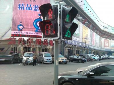 人行道路交通信号灯圆杆案例