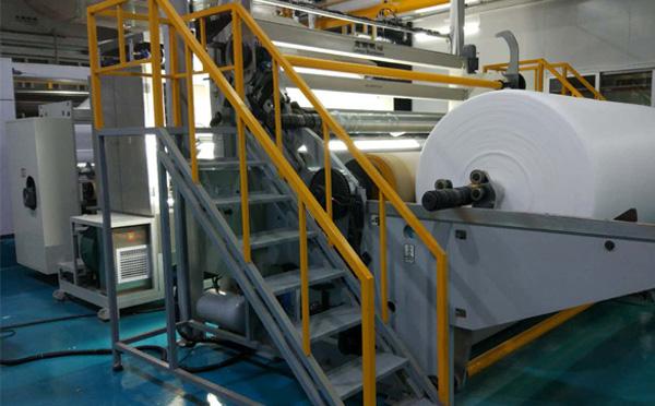 关于湖北纺粘无纺布机械的设备特点介绍