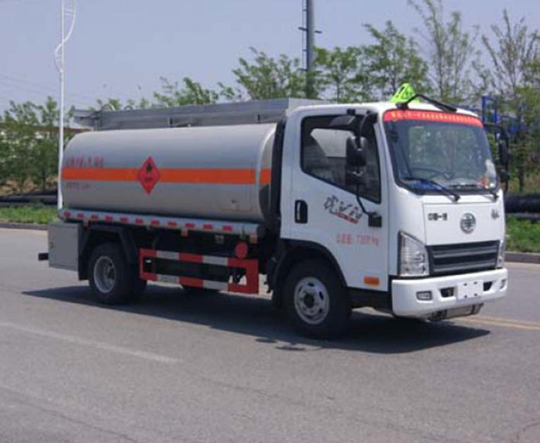 解放5吨解放加油车