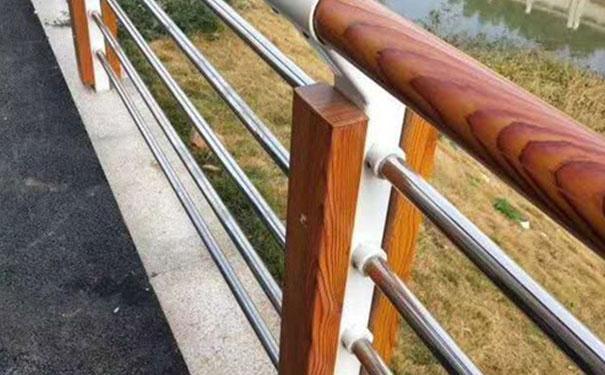 喷塑护栏板