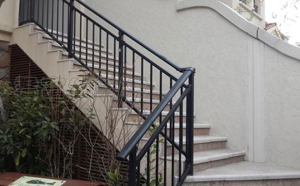 阁楼楼梯扶手