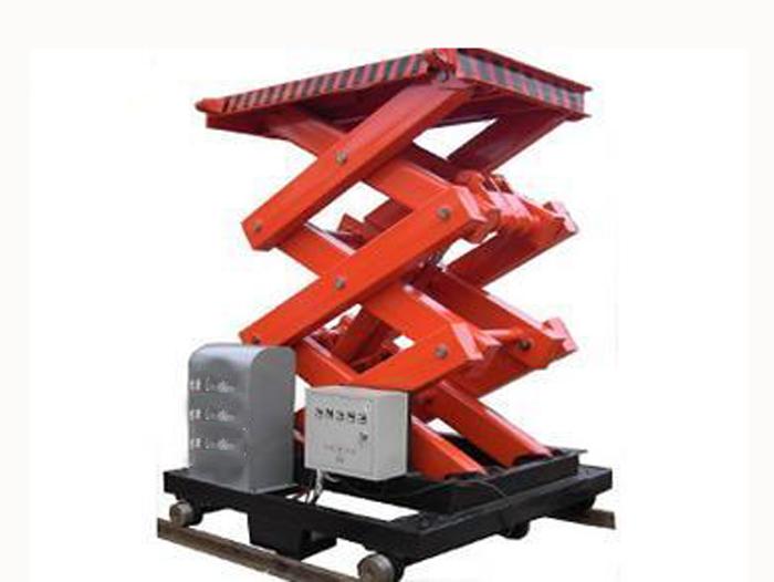 剪刀车高空作业车租赁的使用方法。