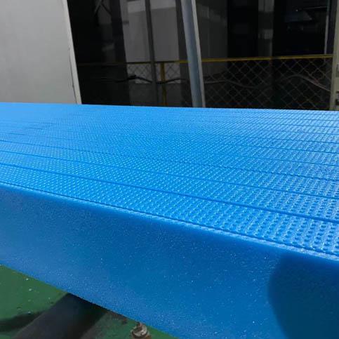 挤塑板厂家带你了解其生产过程.