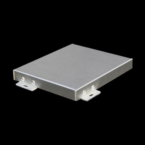广东铝单板厂家是如何处理铝单板表面划痕的