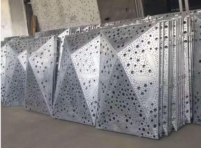 廣東氟碳鋁單板做好鋁壓鑄浸滲加工處理的原因是什么