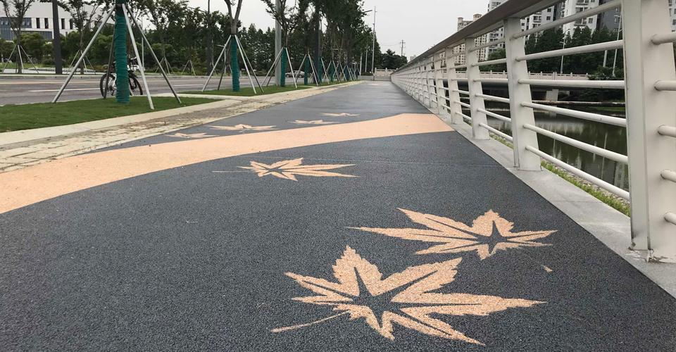 彩色透水混凝土路面為什么比傳統路面好?