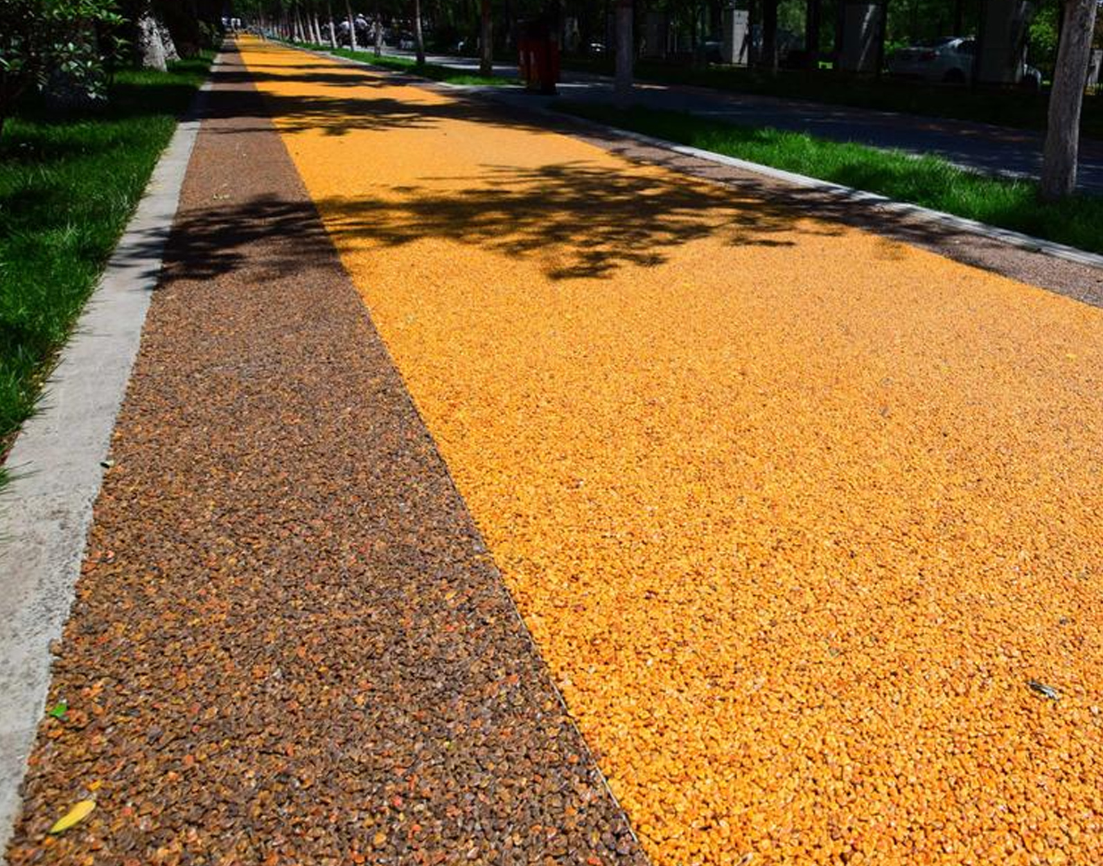 透水膠粘石路面工程