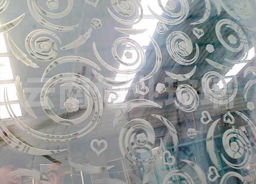 压花工艺玻璃