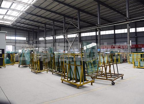 玻璃生產工廠