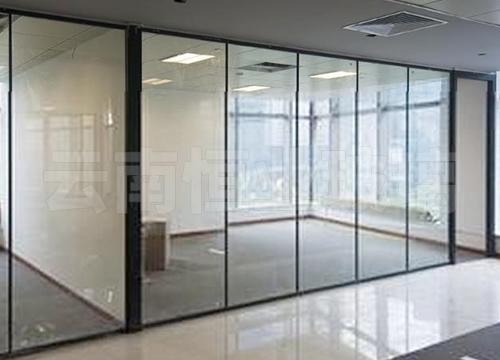 呈贡实力新城彩钢夹角玻璃