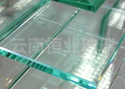 昆明钢化玻璃厂