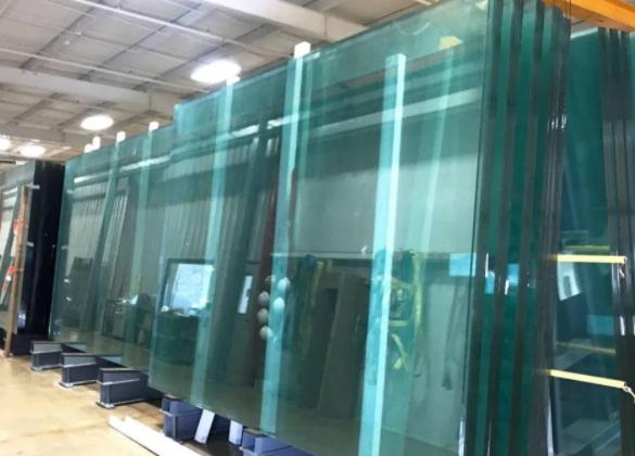 昆明钢化玻璃厂家