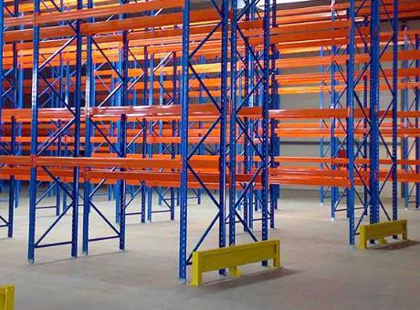 为什么仓储货架需要定期检查?浅谈仓储货架定期检查的意义