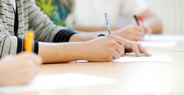 孩子刚上初中,语文成绩一般,该如何辅导提高?