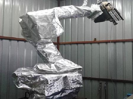 为什么要使用机器人防护服?