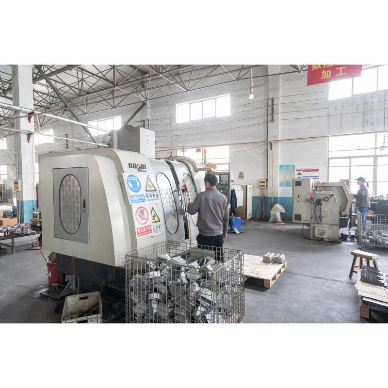 鋅合金壓鑄加工去毛刺的方法與原理。