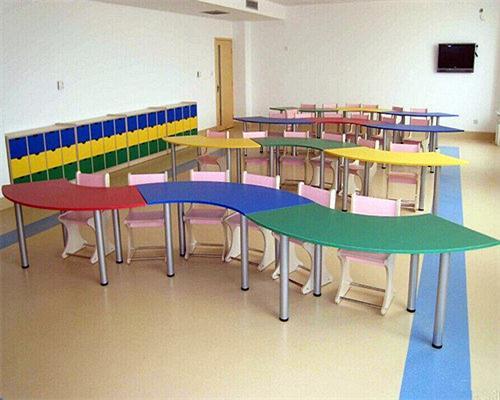 幼兒園為什么選用成都PVC塑膠地板?