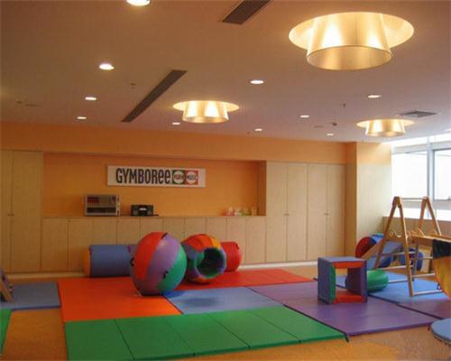 成都波世嘉PVC地板厂家告诉你如何选用合适的商用PVC地板