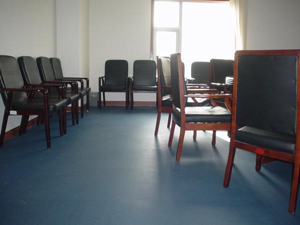 成都复合PVC地板厂家分享办公室地板铺装要领