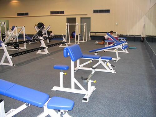 成都PVC塑膠地板廠家淺析商用PVC運動地板的種類與特點