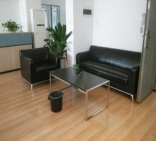 成都丽杰PVC地板厂家分享PVC工厂地板与其他地板有什么区别?