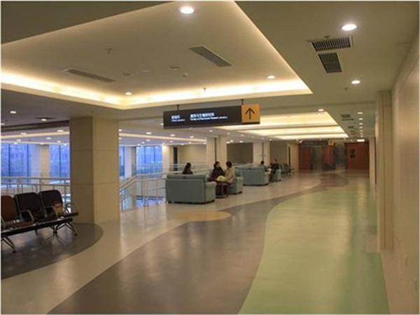 成都医院PVC塑胶地板安装厂家