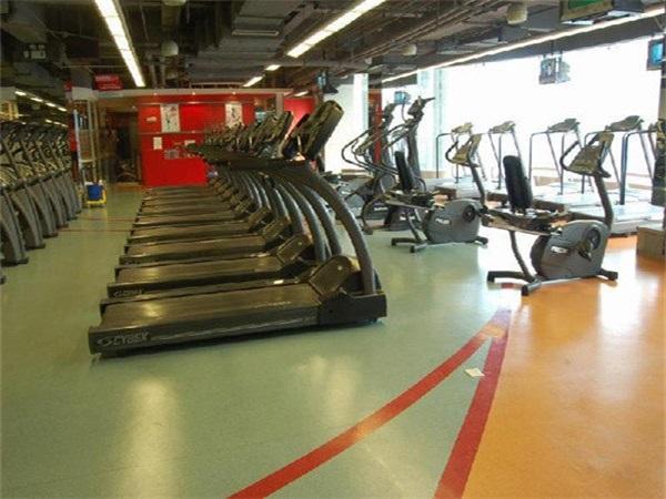 成都健身房PVC塑胶地板安装厂家