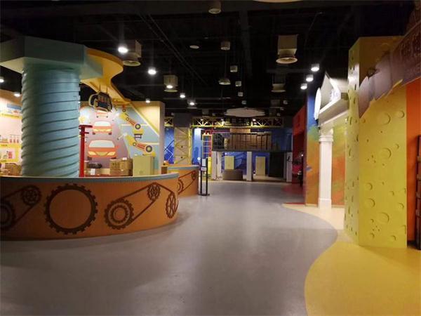四川省科技馆万余平方米PVC塑胶地板施工