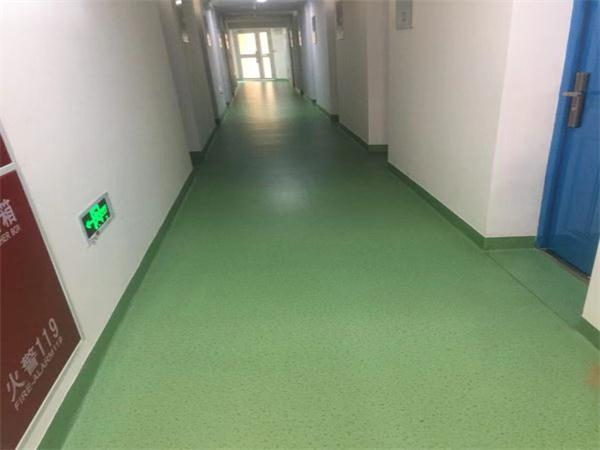 西南交通大学宿舍楼PVC地板施工
