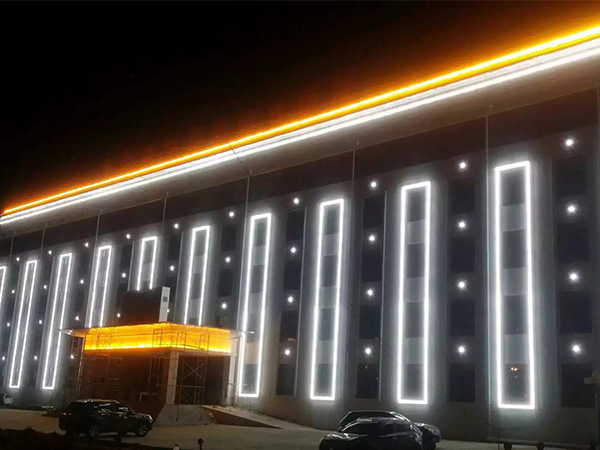 大楼工程亮化厂家告诉您如何做好城市亮化照明施工