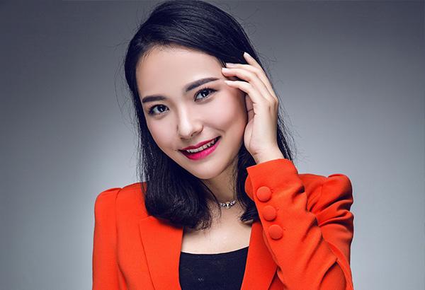唐维佳  艺星熠熠艺术学校校长