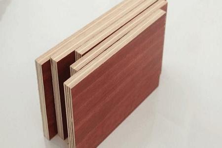 提高清水模板施工墙面的平整光滑度