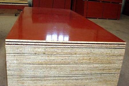 有关木质建筑模板的相关特点