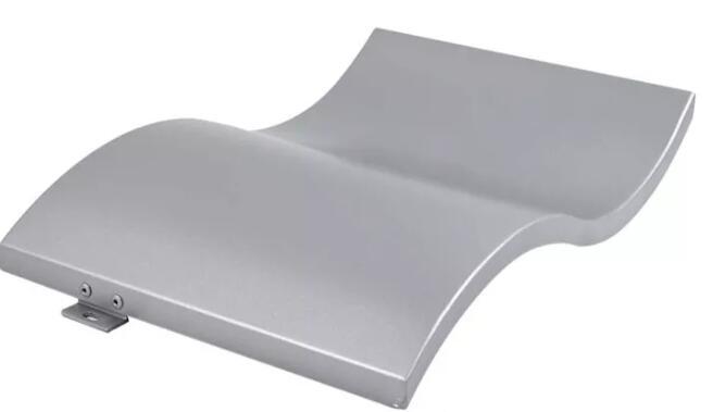 铝单板表面有凸凹波纹是什么原因