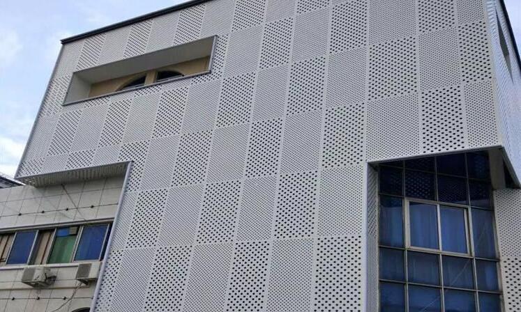 氟碳铝单板的优点都有哪些?