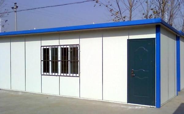 南阳活动板房:建筑好助手-彩钢夹芯板