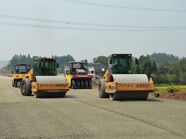 重庆高速路路面施工