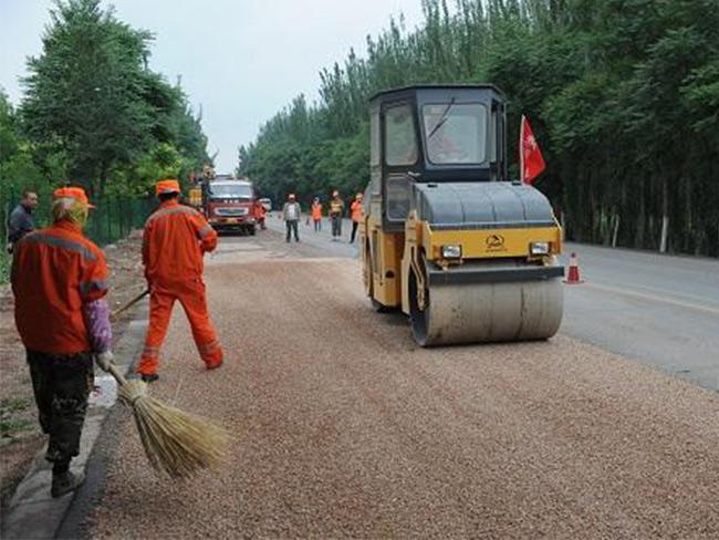 公路路面封层施工
