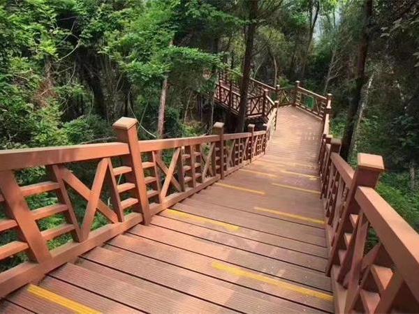 重庆木塑地板安装